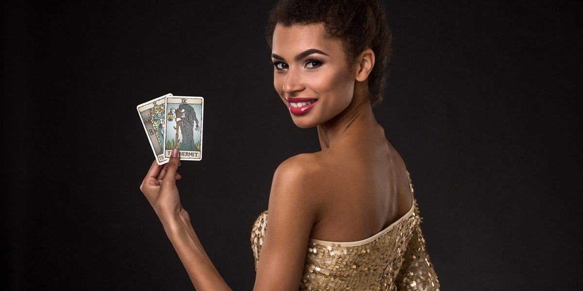 Understanding Your Dreams with Tarot Cards